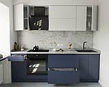 Кухня без ручок з фасадами з пластику на основі МДФ довільної конфігурації. На фото - 2,4 м (пряма кухня), фото 3