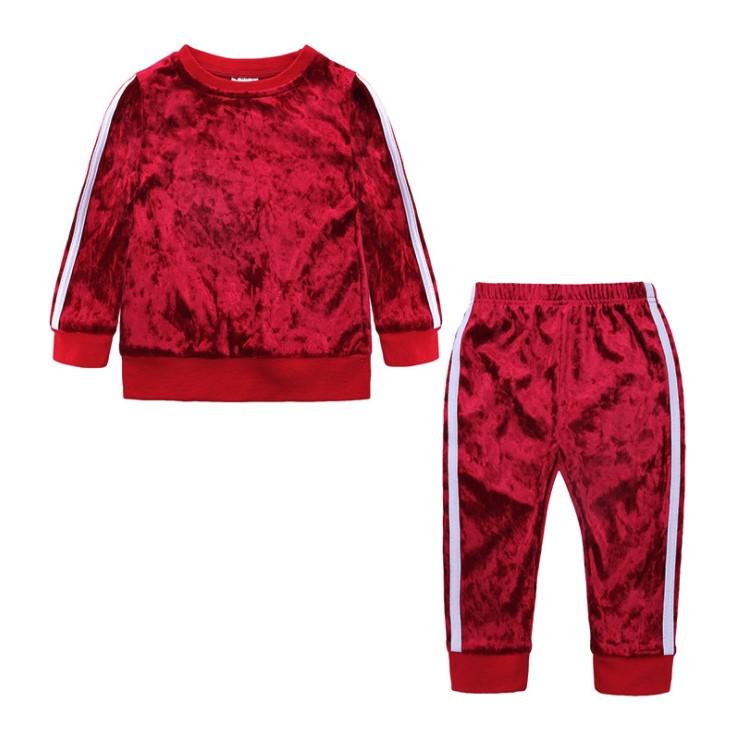 Велюровый  костюм двойка на девочку красный  1-5 лет весна-осень