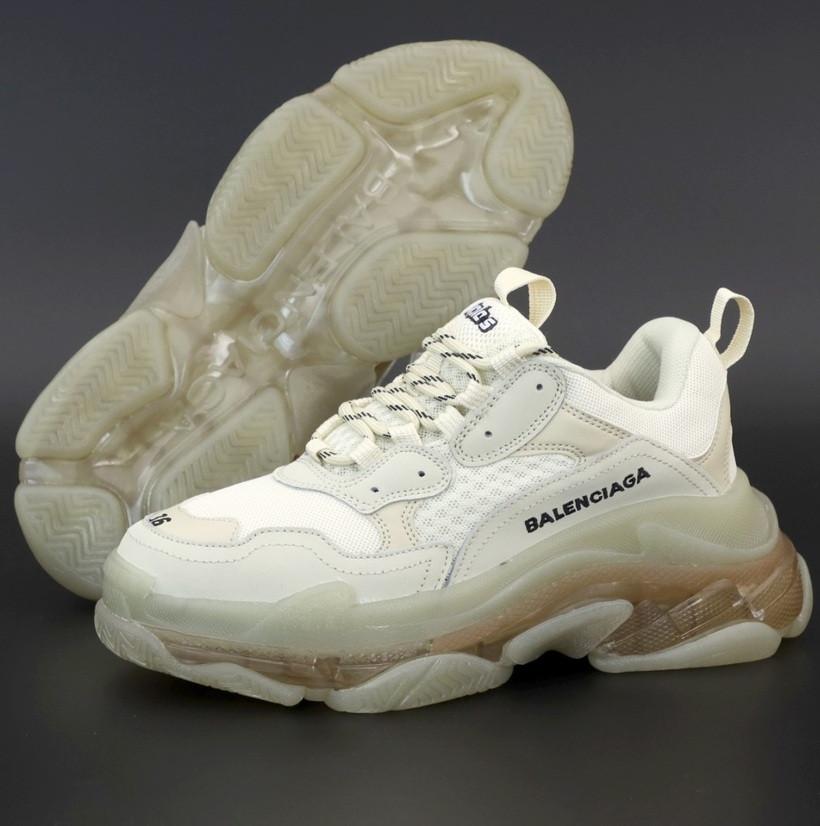Женские кроссовки Balenciaga Triple S Clear Sole «Beige» многослойная подошва. Живое фото. Реплика