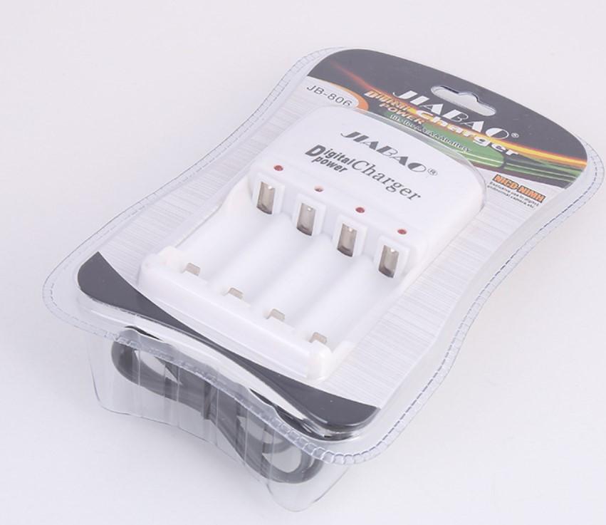 Зарядное устройство JB-806 на 4 аккумулятора AA/R6 ,AAA(R3) от220 В
