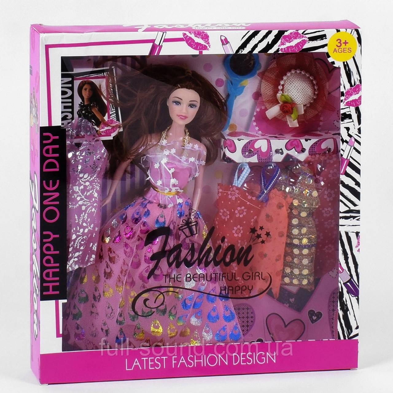 Лялька з нарядами 815
