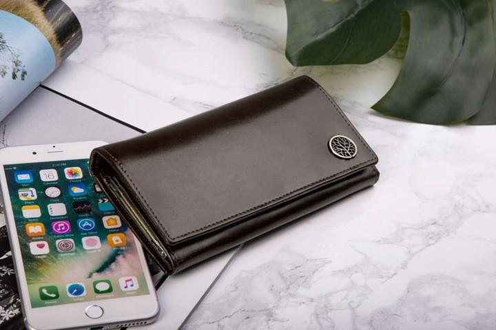 Жіночий шкіряний гаманець Betlewski з RFID 17,7 х 9 х 2,3 (BPD-BF-13) - коричневий
