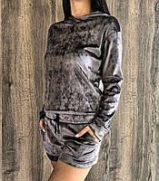 Молодежный велюровый костюм свитшто+шорты.