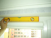 Монтаж системы Уни-створка с П-образными направляющими на окно.