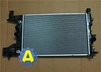 Радиатор охлаждения двигателя основной на Шевроле Круз (Chevrolet Cruze) 2012-2015