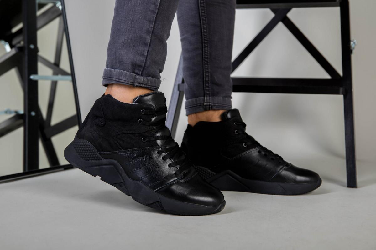 Ботинки мужские кожаные черного цвета с вставкой нубука зимние