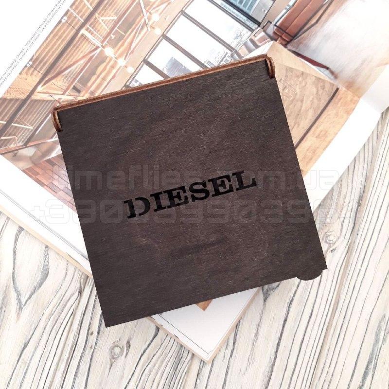 Дерев'яна коробка для ременя Diesel
