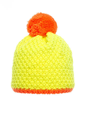 Детская яркая и стильная вязанная шапочка желтая с оранжевым бумбоном, Польша., фото 2