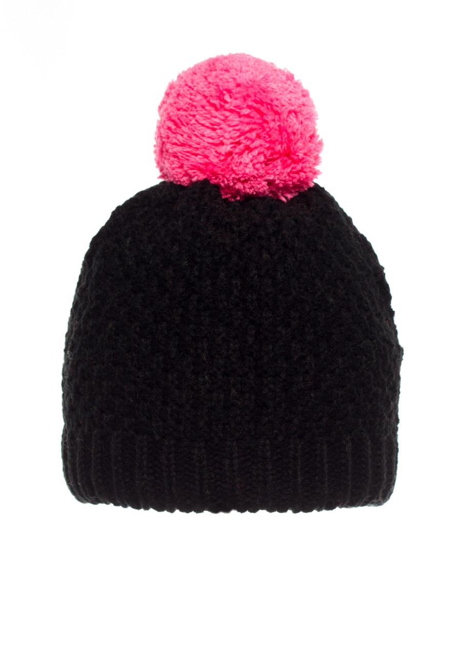 Детская теплая, практичная вязанная шапочка черная с малиновым бумбоном.