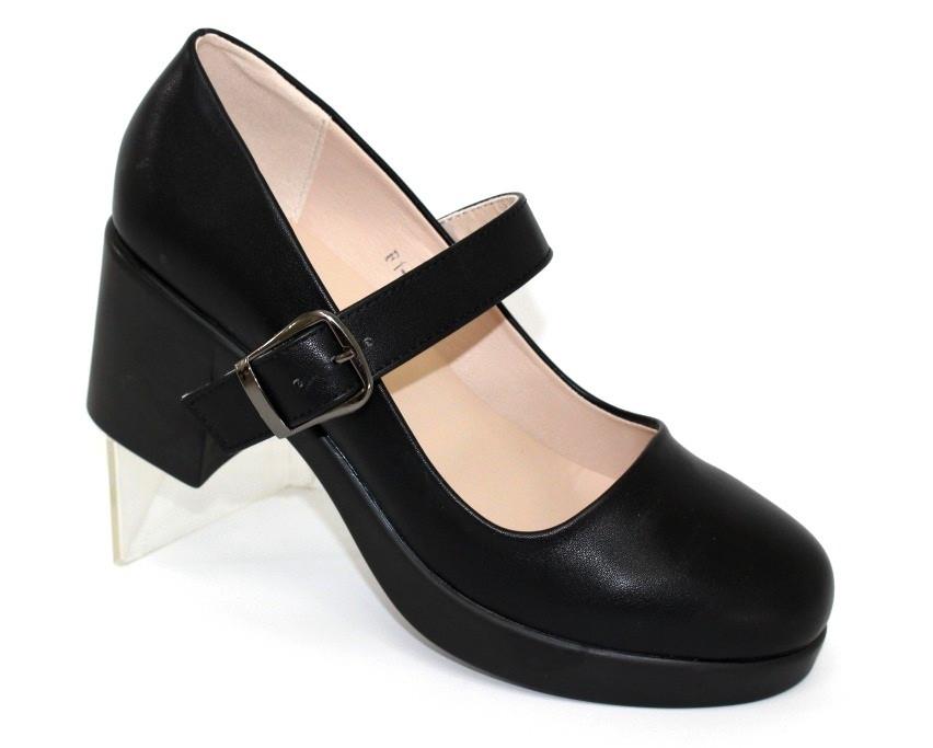 Закрытые женские туфли на каблуке