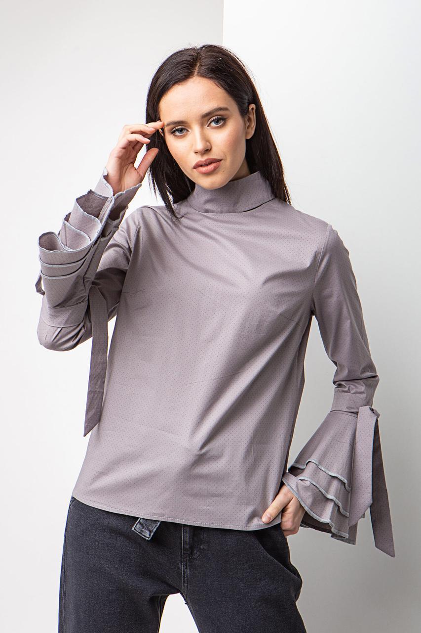 Женская Серая хлопковая блуза с высоким воротником и рюшами на длинных рукавах