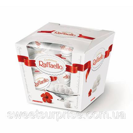 """Конфеты """"Raffaello"""" в подарочной коробке к 8 Марта, фото 2"""