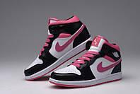 Женские баскетбольные кроссовки Nike Air Jordan 1 black-pink