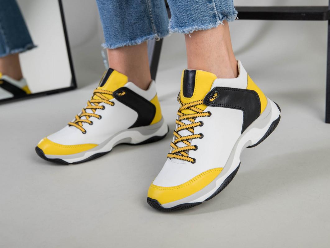 Кроссовки женские кожаные белые с черными и желтыми вставками