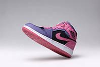 Женские баскетбольные кроссовки Nike Air Jordan 1 pink-violet