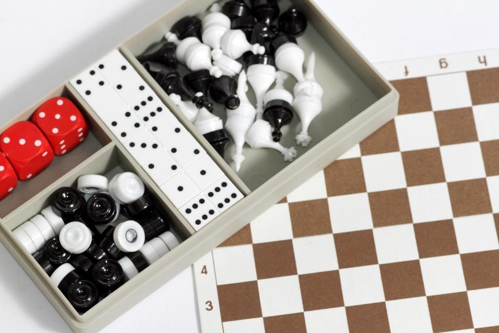 Настольная игра Шахматы, Шашки, Домино - Сделано в СССР