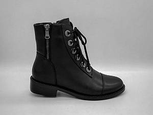 Черные кожаные зимние ботинки.Полусапоги. Маленькие размеры ( 33 - 35).