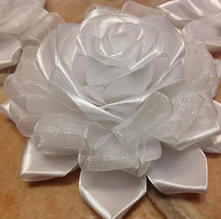 Магнит Роза белая органза