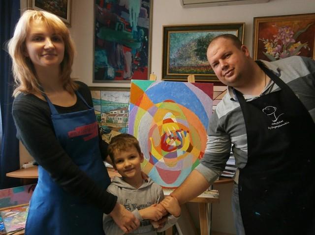 Рисование семейной картины в мастерской профессионального художника