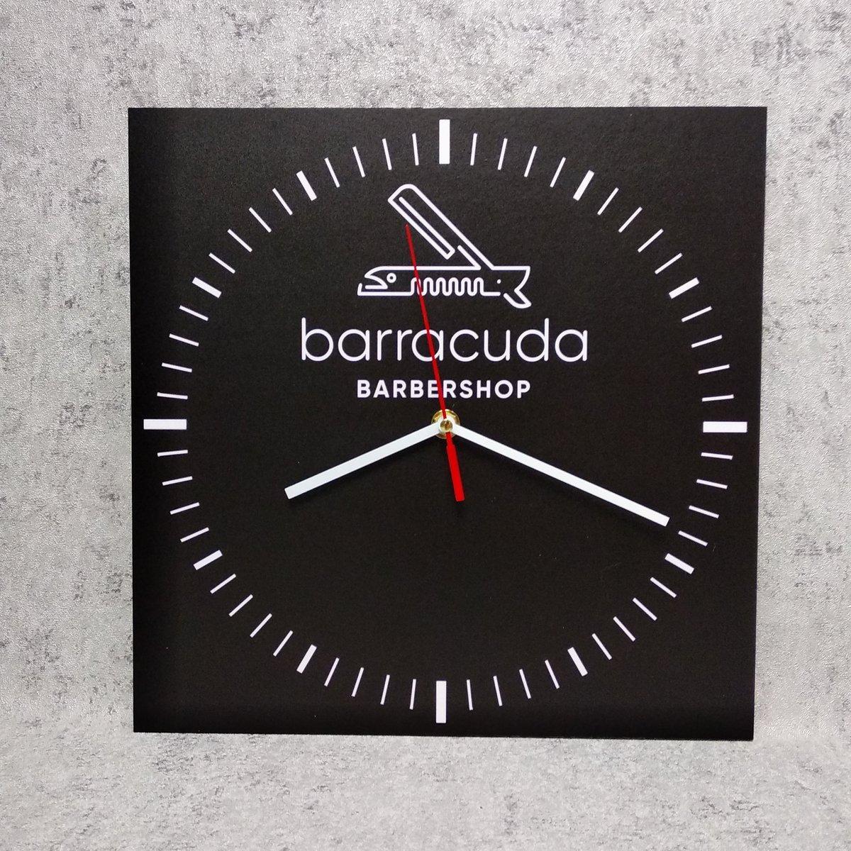 Часы настенные для Барбершоп