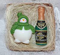 """Новогодний набор мыла ручной работы """"Снеговик и Советское Шампанское"""""""