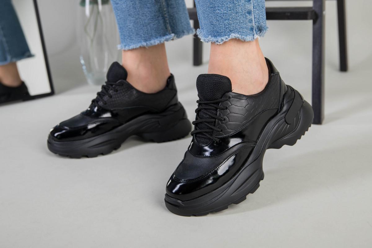 Кроссовки женские кожаные черные с вставкой имитации под рептилию