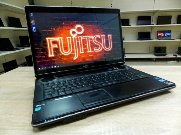 """17.3"""", Екран! Ігровий ноутбук Fujitsu NH517 + (Core i7) НІМЕЦЬ + Гарантія"""