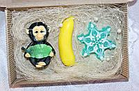 """Новогодний набор мыла ручной работы """"Обезьяна из джунглей, банан, снежинка"""""""