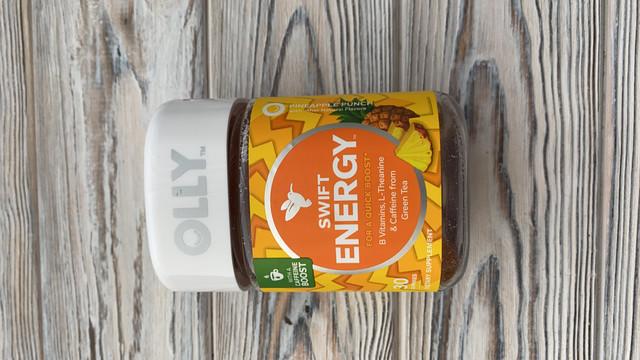 OLLY Swift Energy Gummy, 10 порций (30 жевательных конфет), ананасовый пунш, витамины группы B, L теанин, кофеин из зеленого чая, жевательная добавка
