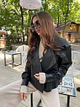 Жіноча куртка шкіряна оверсайз зі спущеним рукавом 7101327, фото 2
