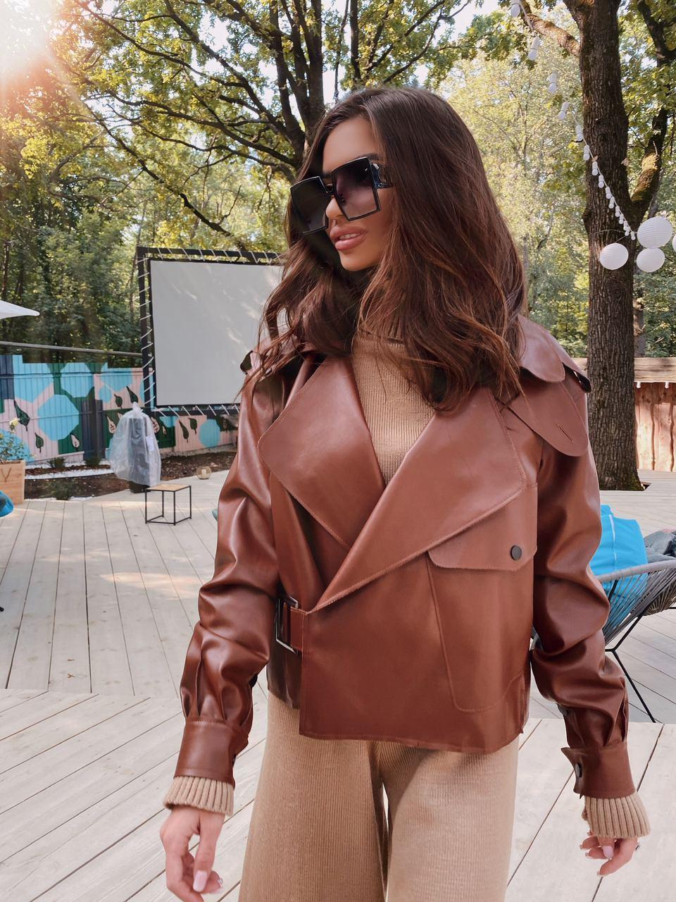 Жіноча куртка шкіряна оверсайз зі спущеним рукавом 7101327