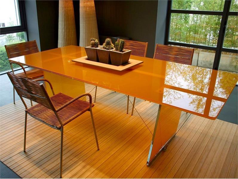 Закаленное стекло на обеденный стол по вашим размерам