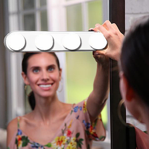 Лампа STUDIO GLOW Make-Up Lighting для нанесения макияжа