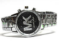 Часы на браслете 756
