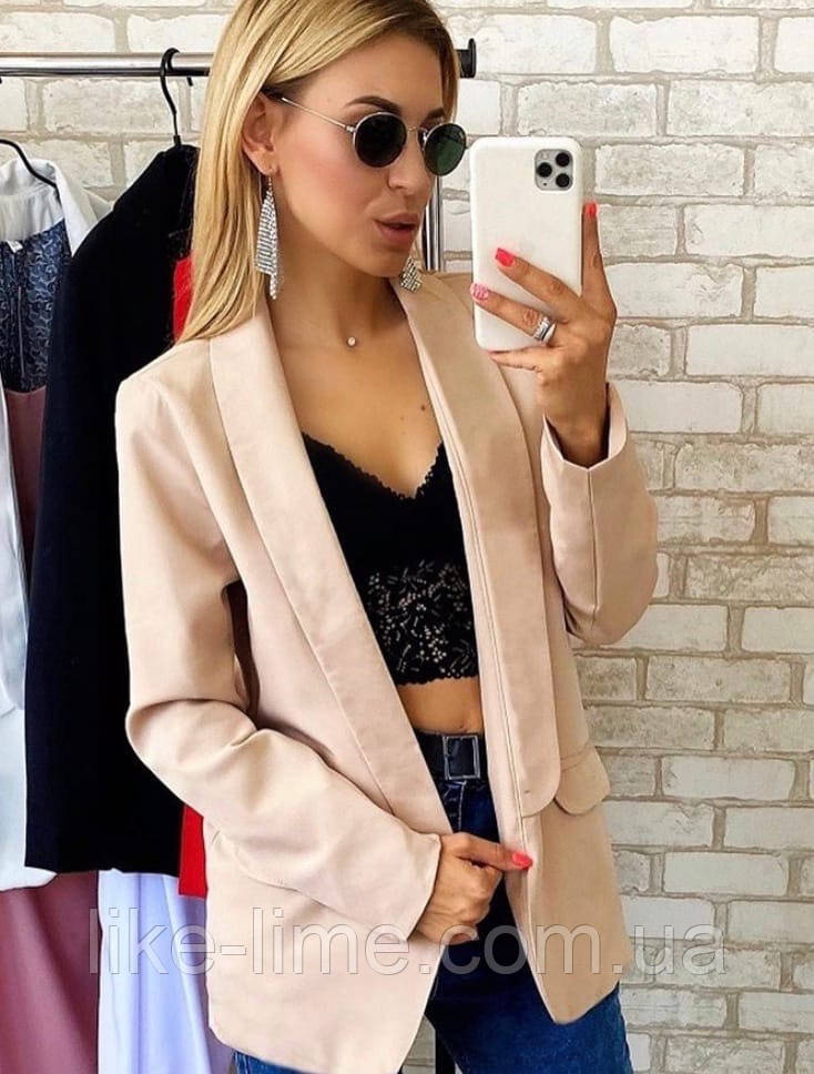 Женский красивый пиджак