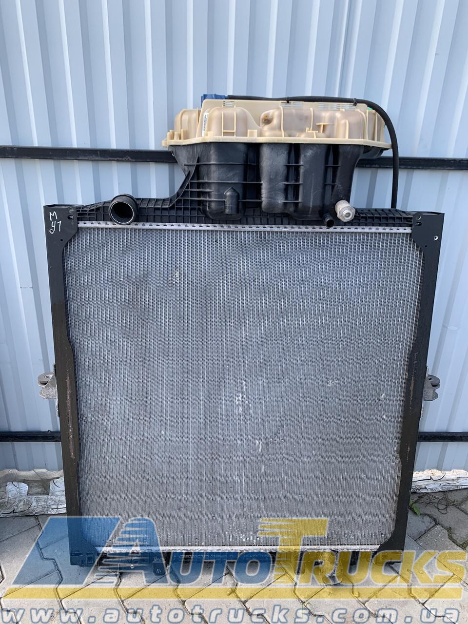 Радиатор Б/у для MAN (81061010070)