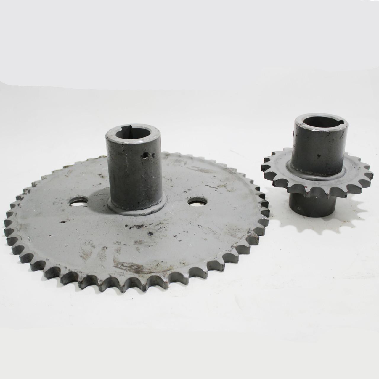 Комплект звездочек для уменьшения оборотов барабана  Z-49 и Z-19 54-151В-01 Нива СК-5