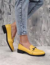 Яркие туфли лоферы из белой натуральной кожи на низком каблуке размеры 36-41, фото 2