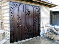 Ворота гаражные кованые с дверями