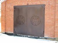 Ворота гаражные с коваными накладками