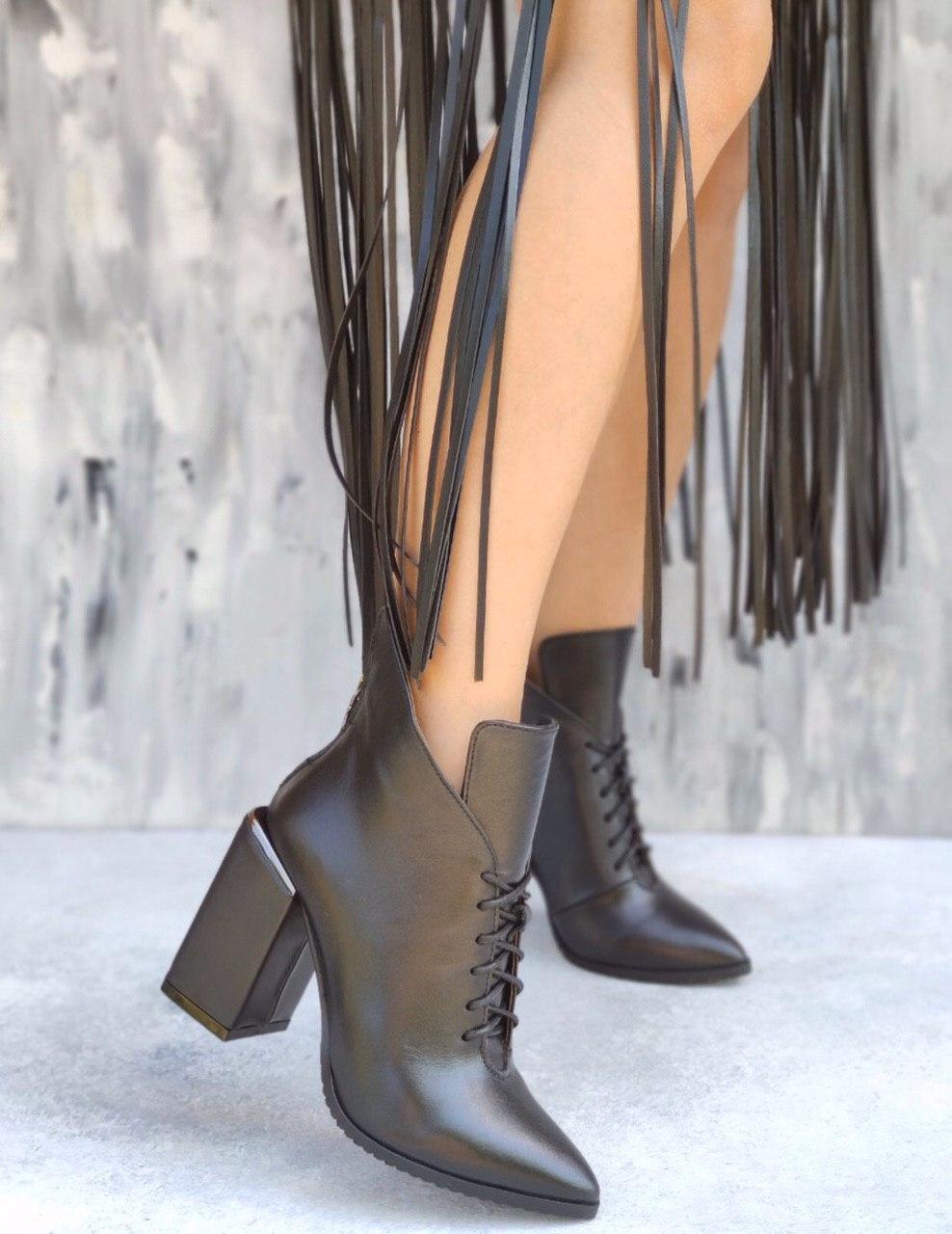 Шикарные кожаные женские черные ботильоны на квадратном каблуке, размеры 35-40