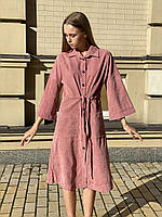 Платье-рубашка вельветовое с карманами женское миди на пуговицах с пояском пудровое XS-S