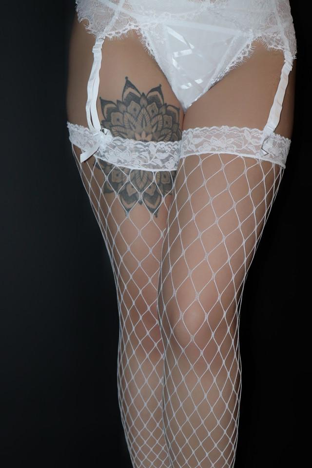 белый комплект белья, сексуальное булье, эротическое белье, боди, гартеры, топ, чулки, нижнее белье краина, нижнее женское белье с подтяжками