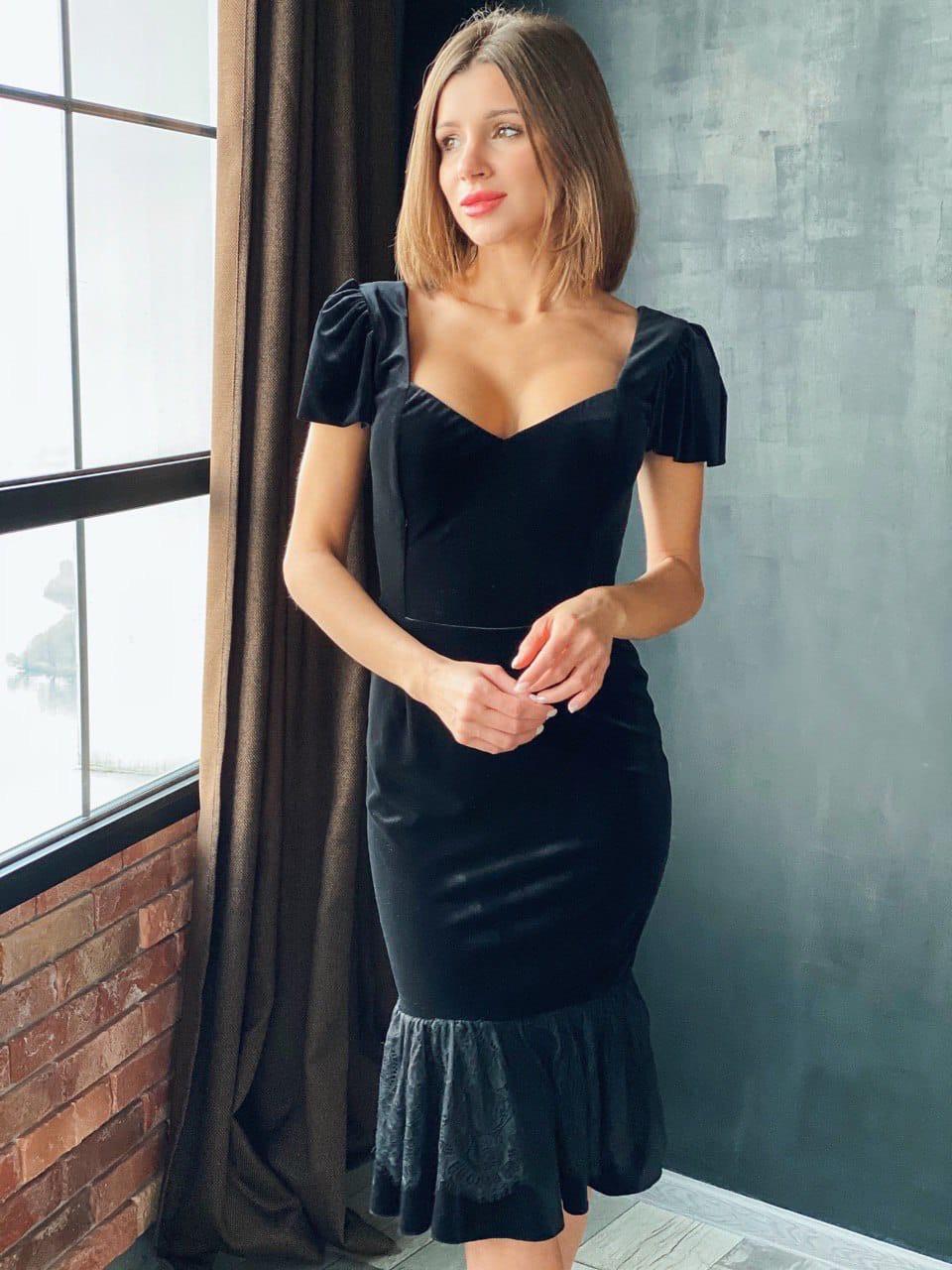 Женское черное бархатное платье миди с коротким рукаво (р. XS, S, M) 14plt1585