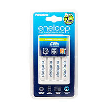 Зарядка Panasonic Eneloop Advanced Charger BQ-CC17 + 4 Eneloop AA (упаковка: блистер)