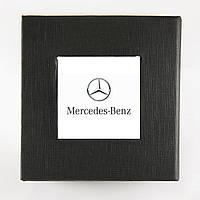 Коробка с логотипом Mercedes