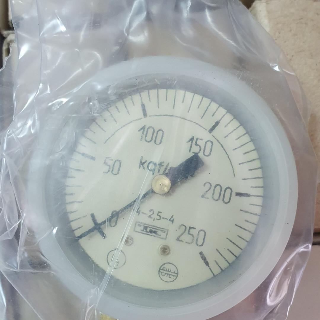Манометр МТП-1М 250 кгс/см2