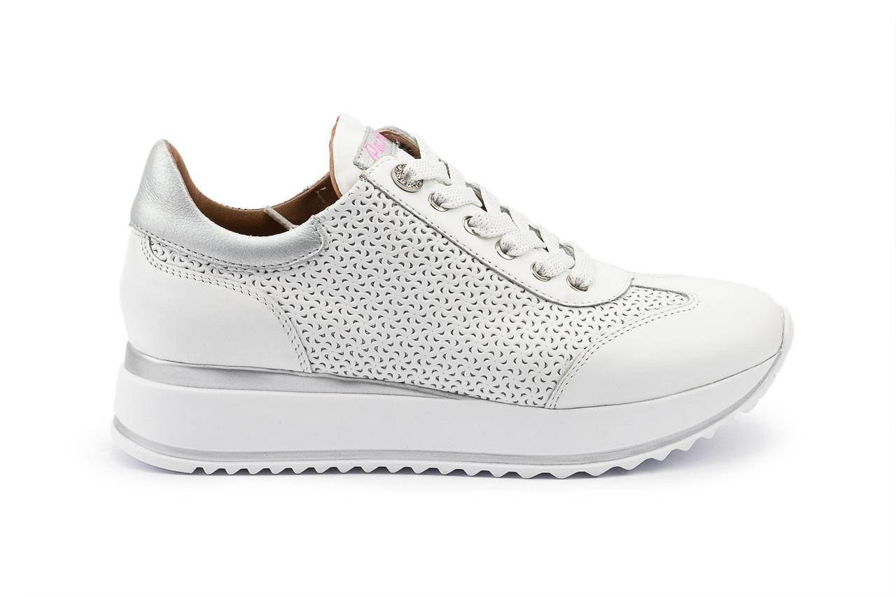 Женские кроссовки кожаные весна/осень белые Calo Pachini 4505/20-98