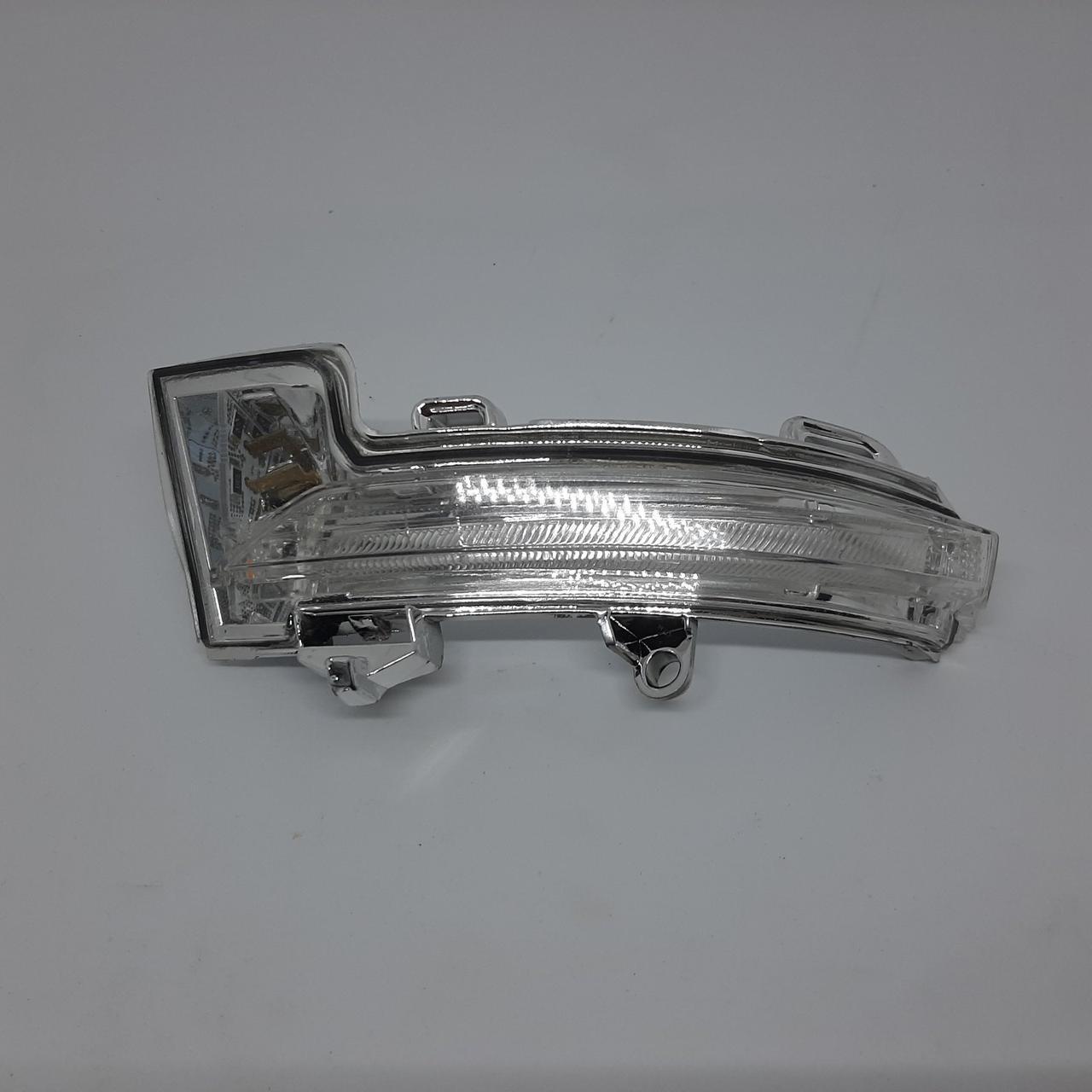 Покажчик поворотів в дзеркало Skoda Octavia A7 лівий