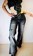Молодежные джинсы на весну